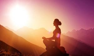 No necesitas estar sentado cruzado de piernas en la cima de una montaña en una cálida tarde al caer el sol, ¡pero EE puede llevarte allí por sus resultados!